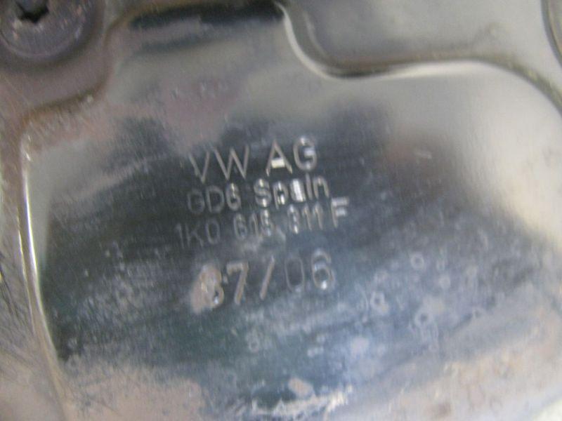 Achsschenkel Radnabe links vorn VW CADDY III 3 03-10 2K